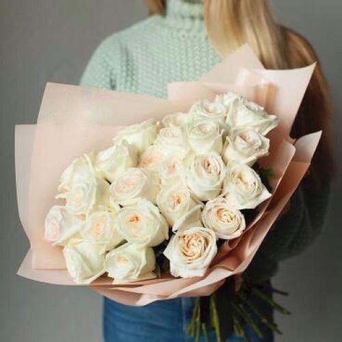 Купить на заказ Заказать Букет из 31 белой розы с доставкой по Атырау с доставкой в Атырау