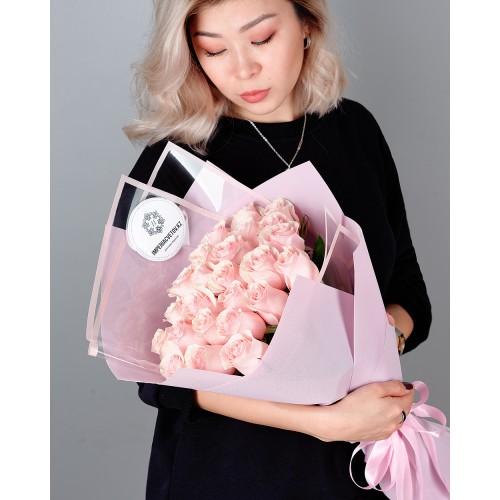 Купить на заказ Заказать Букет из 25 розовых роз с доставкой по Атырау с доставкой в Атырау