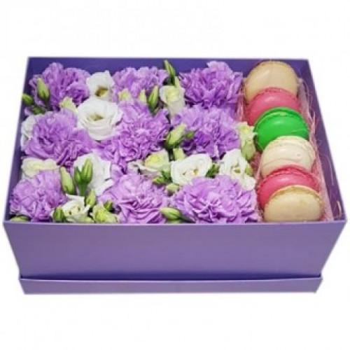 Купить на заказ Фиолетовые гвоздики в коробке с доставкой в Атырау